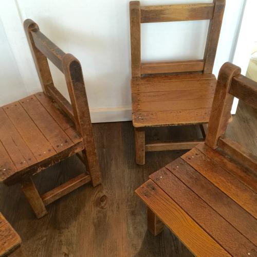 幼稚園椅子_f0212293_17072626.jpg
