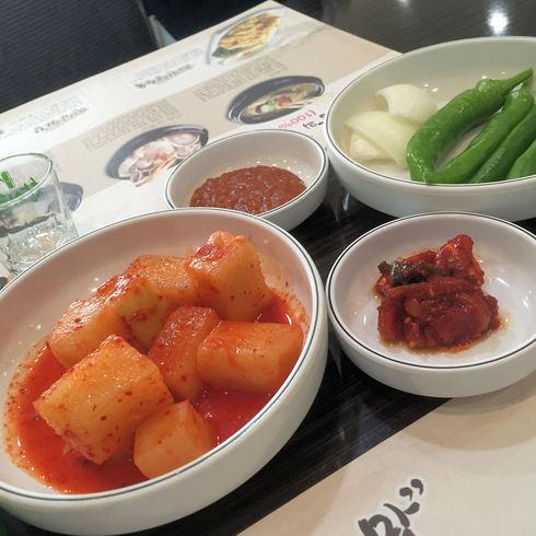 冬旅ソウル♪ その7 何度も食べたくなる美味しさ!「ノンヒョン・サムゲタン」_f0054260_1717284.jpg