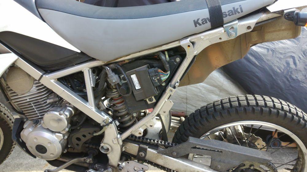 KLX125 工具の車載位置_e0086244_17355757.jpg