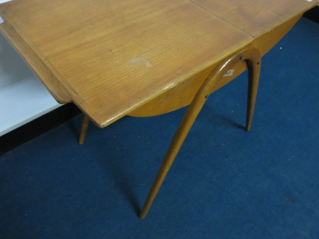 """Cor Alons Sewing Table #FAIR\""ってこんなこと。_c0140560_9303310.jpg"