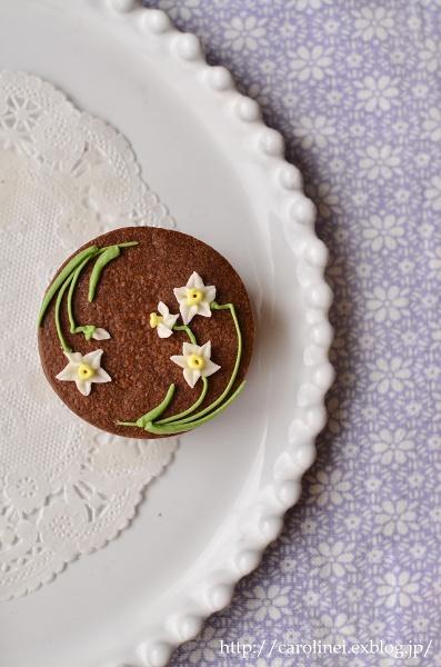 友チョコに、春の花のアイシングチョコレートクッキーサンド Homemade Icyng Cookie Sandwiches_d0025294_16115041.jpg