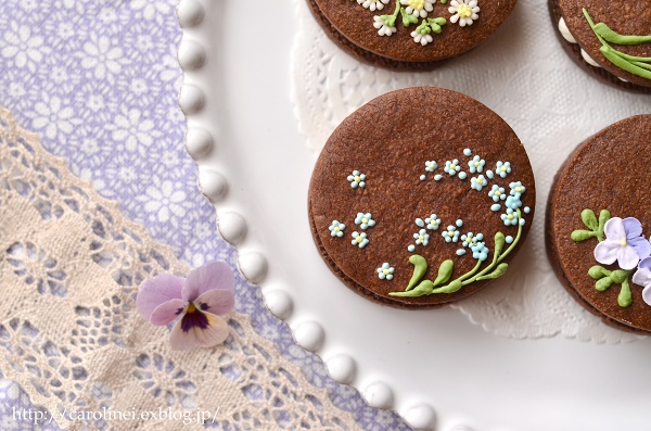 友チョコに、春の花のアイシングチョコレートクッキーサンド Homemade Icyng Cookie Sandwiches_d0025294_16122753.jpg