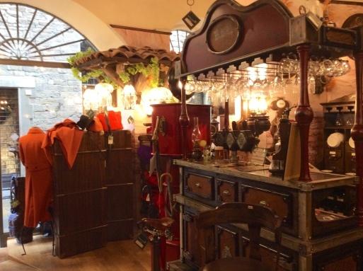 イタリア土産…トスカーナcasentinoのジャケット_b0210699_23032469.jpg