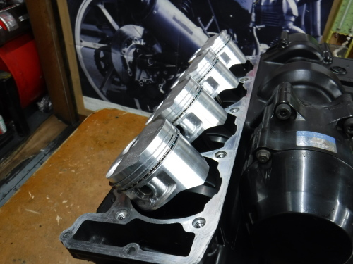 GPZ900Rエンジンオーバーホールの日・・・その5_a0163159_18310336.jpg
