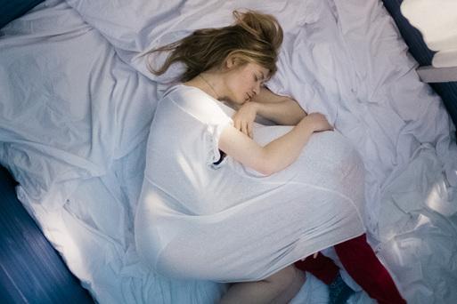 妊娠24週目、生みますか、やめますか?   「24 Wochen」_f0207434_301856.jpg