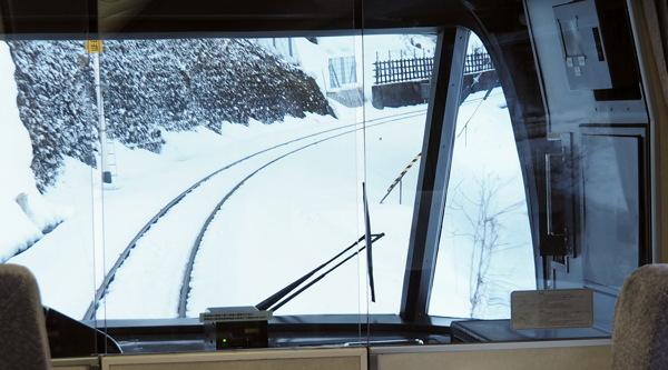 超山手線(写真説明ないのもあんまりおあいそなしかと思ったので2月20日、付けました)_d0027243_1216042.jpg