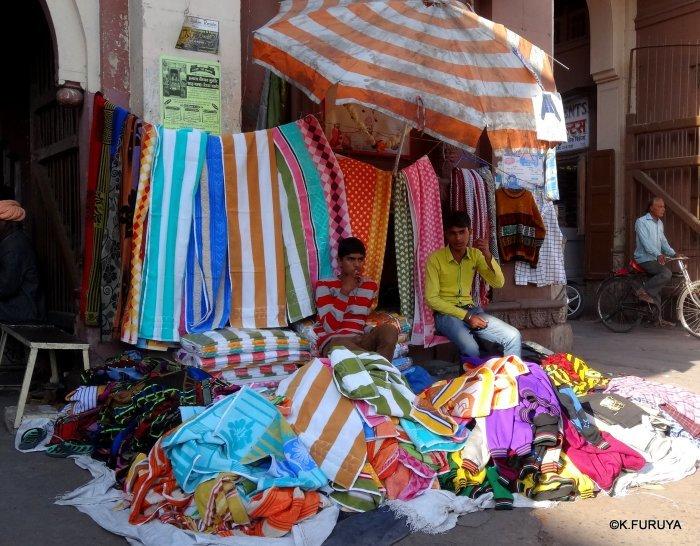インド・ラジャスタンの旅 8  サダル・バザール_a0092659_10382081.jpg