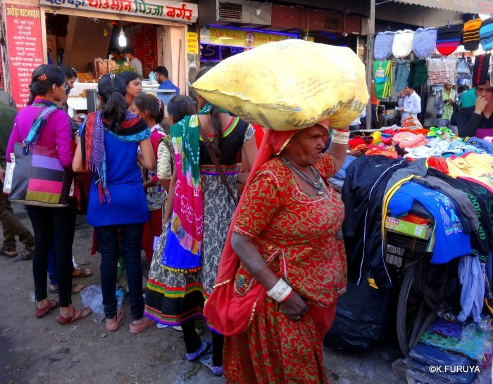 インド・ラジャスタンの旅 8  サダル・バザール_a0092659_10414921.jpg