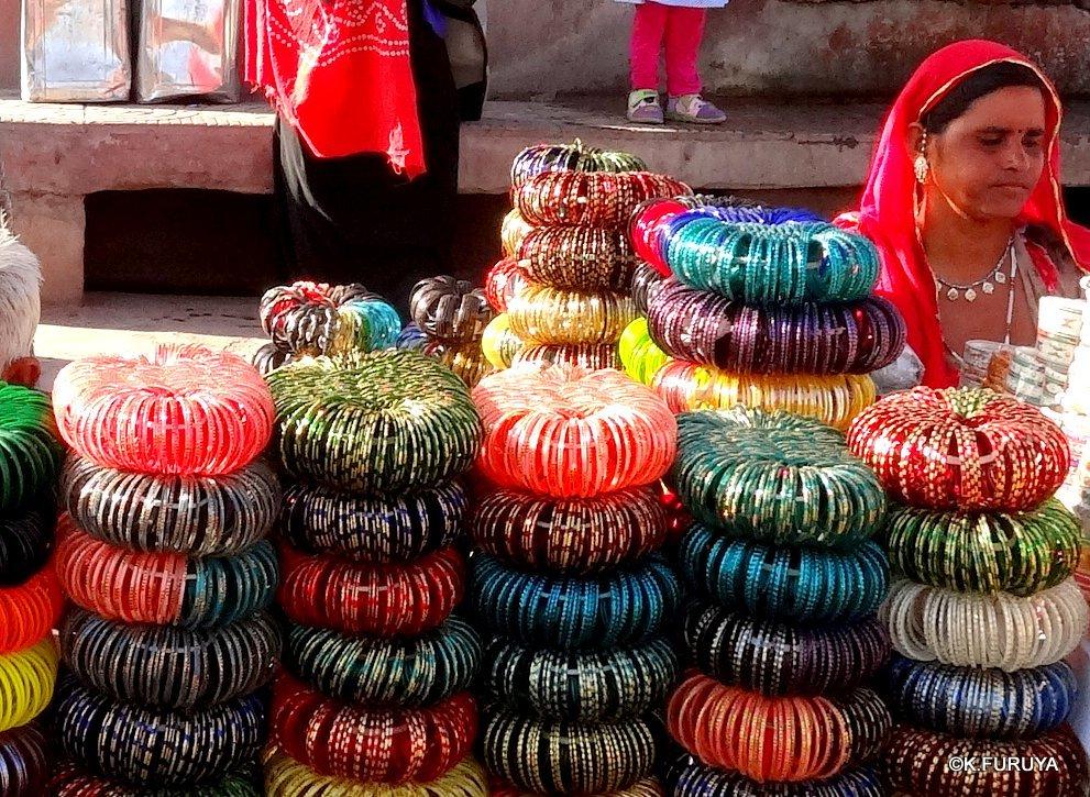 インド・ラジャスタンの旅 8  サダル・バザール_a0092659_10453089.jpg