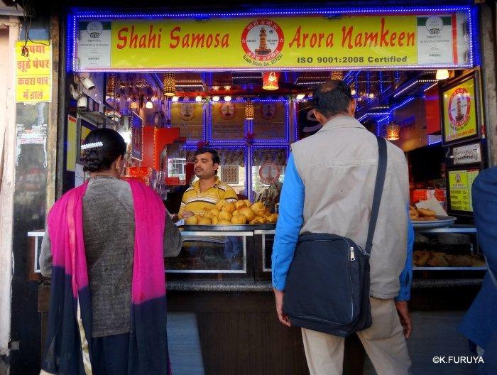 インド・ラジャスタンの旅 8  サダル・バザール_a0092659_10502320.jpg