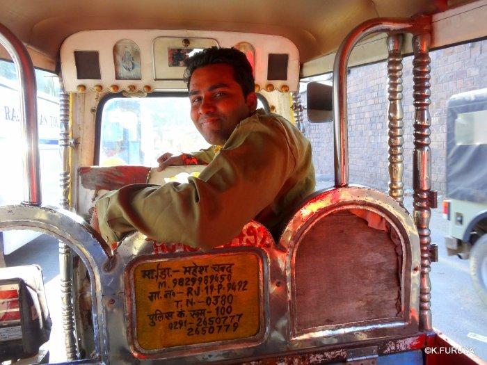 インド・ラジャスタンの旅 8  サダル・バザール_a0092659_14545631.jpg