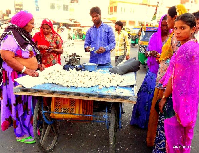 インド・ラジャスタンの旅 8  サダル・バザール_a0092659_1545970.jpg