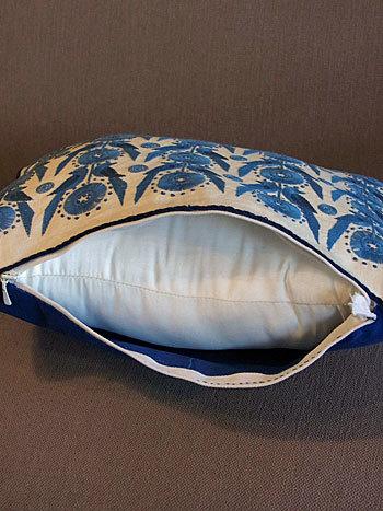 cushion_c0139773_17162996.jpg