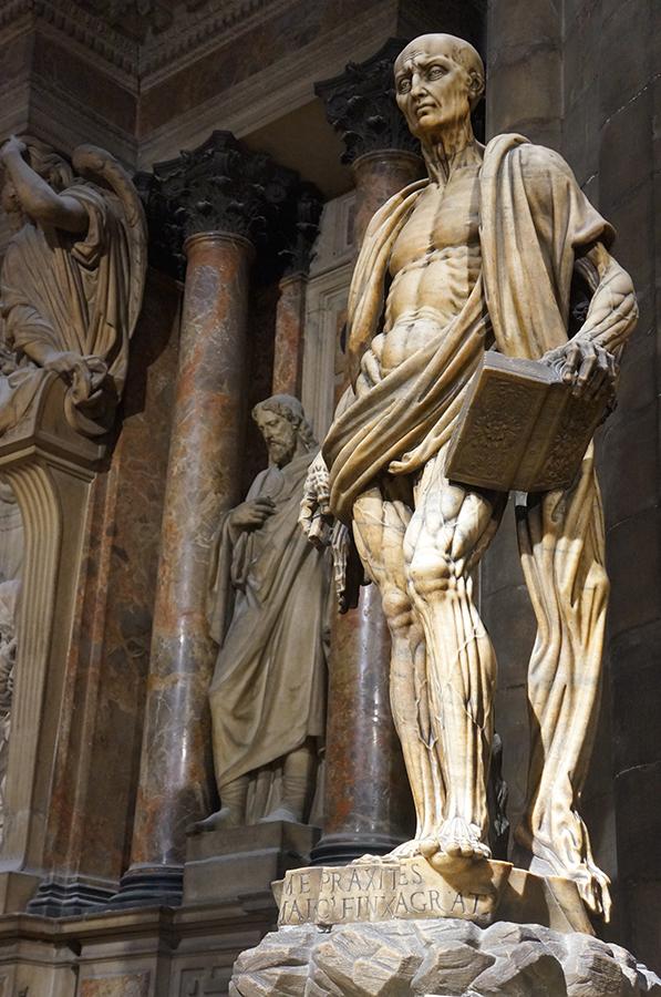 ミラノの大聖堂_f0106597_05275122.jpg