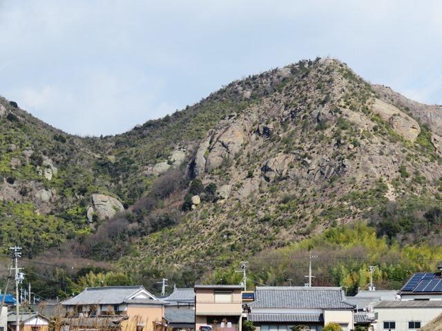 山神社の岩場から高御位山_b0227552_20050936.jpg