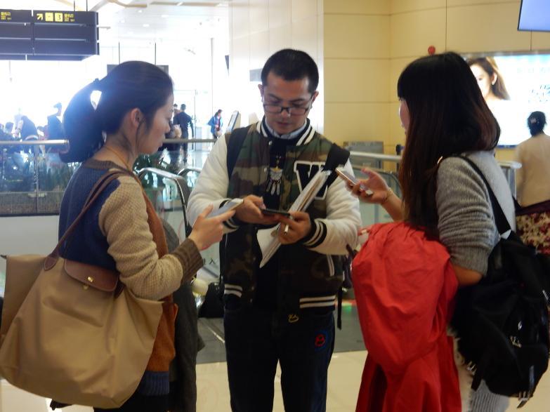 今年も中国客は来るぞ。そう実感させたSJ重慶・成田線で見たツアー客の一部始終_b0235153_1618834.jpg