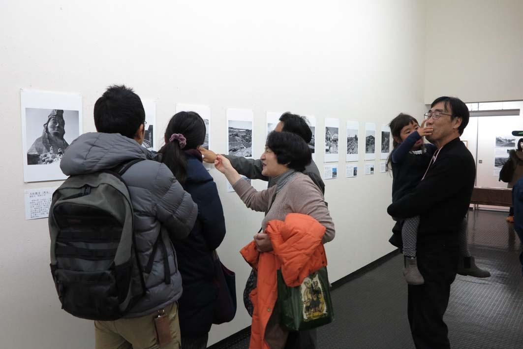 好評開催中!「今昔写真展『鎌倉を見つめた写真家たち』」_c0014967_8442590.jpg