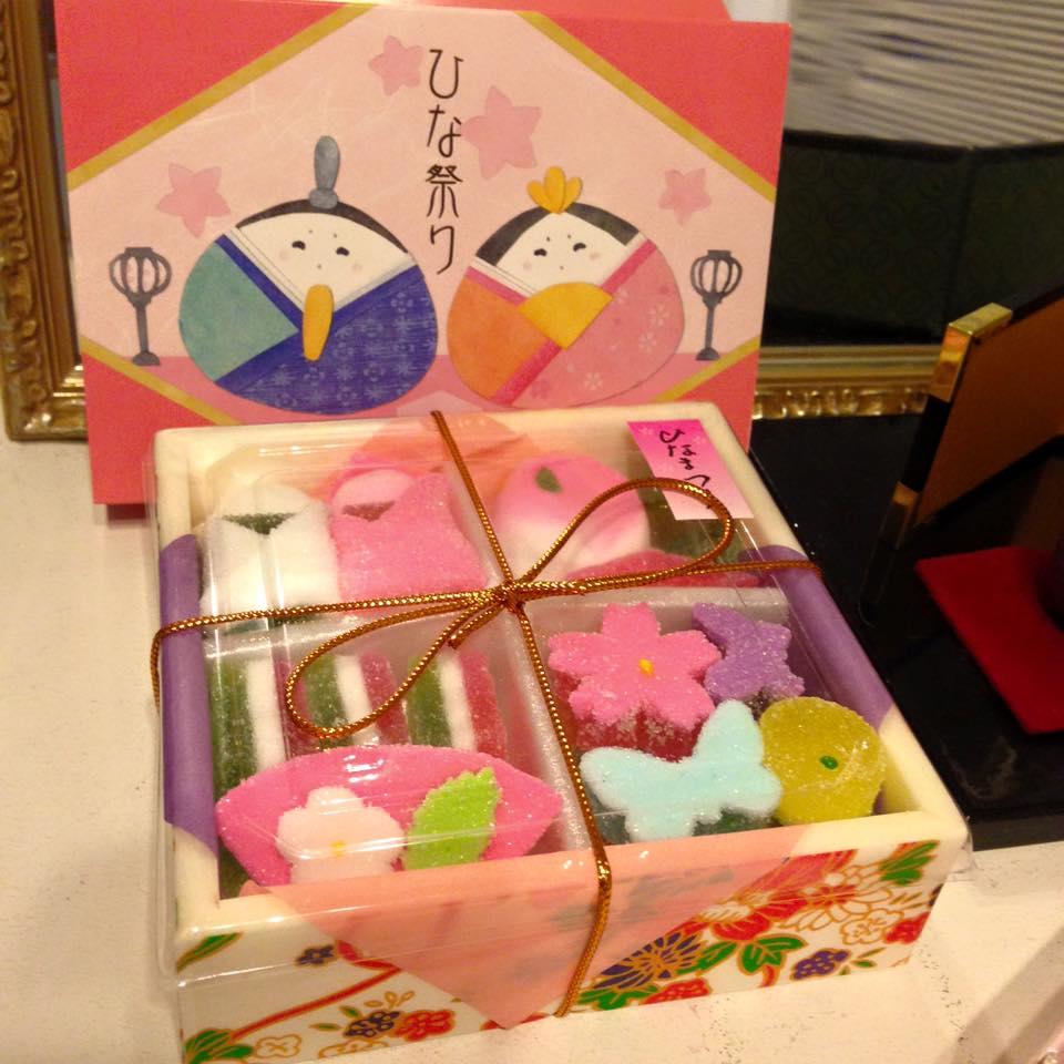 お雛様のお菓子_b0195783_17103270.jpg