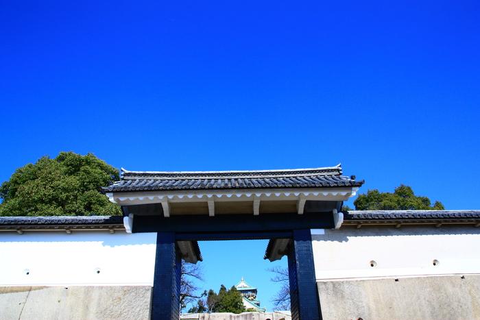 青い空 大阪城天守閣_f0209122_19301743.jpg