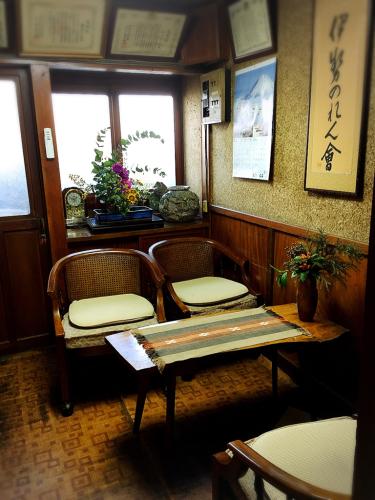 二軒茶屋餅角屋本店_e0292546_01175345.jpg