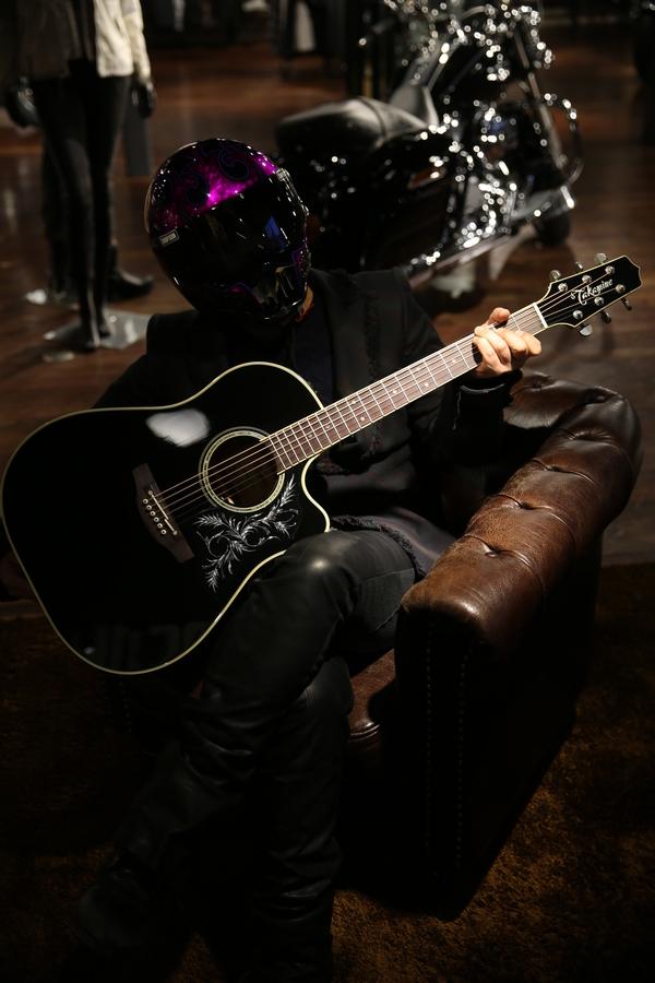 Helmet and Guitar pick guard_d0074074_14514723.jpg