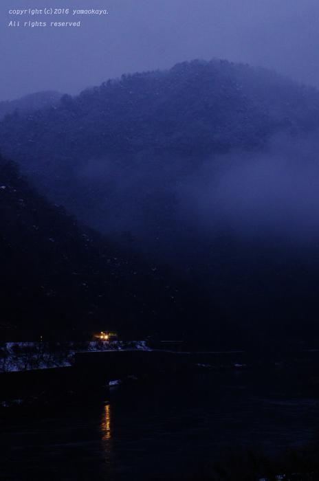 霧立ちのぼる_d0309612_0281242.jpg