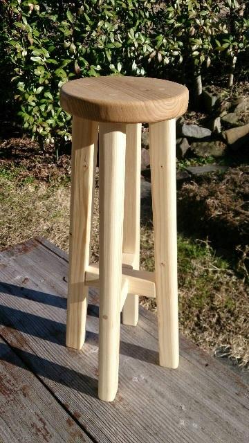 お手製の椅子_f0229190_23314712.jpg