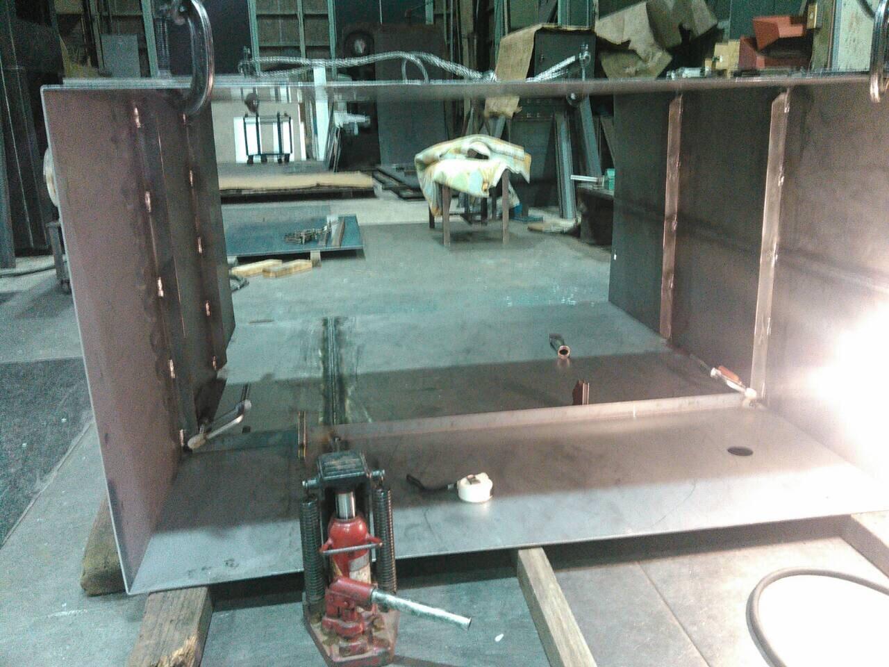 油タンク製作  補強 天板、底板溶接_f0228240_21294844.jpg