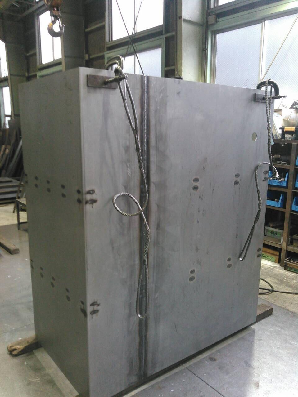 油タンク製作  補強 天板、底板溶接_f0228240_21321755.jpg