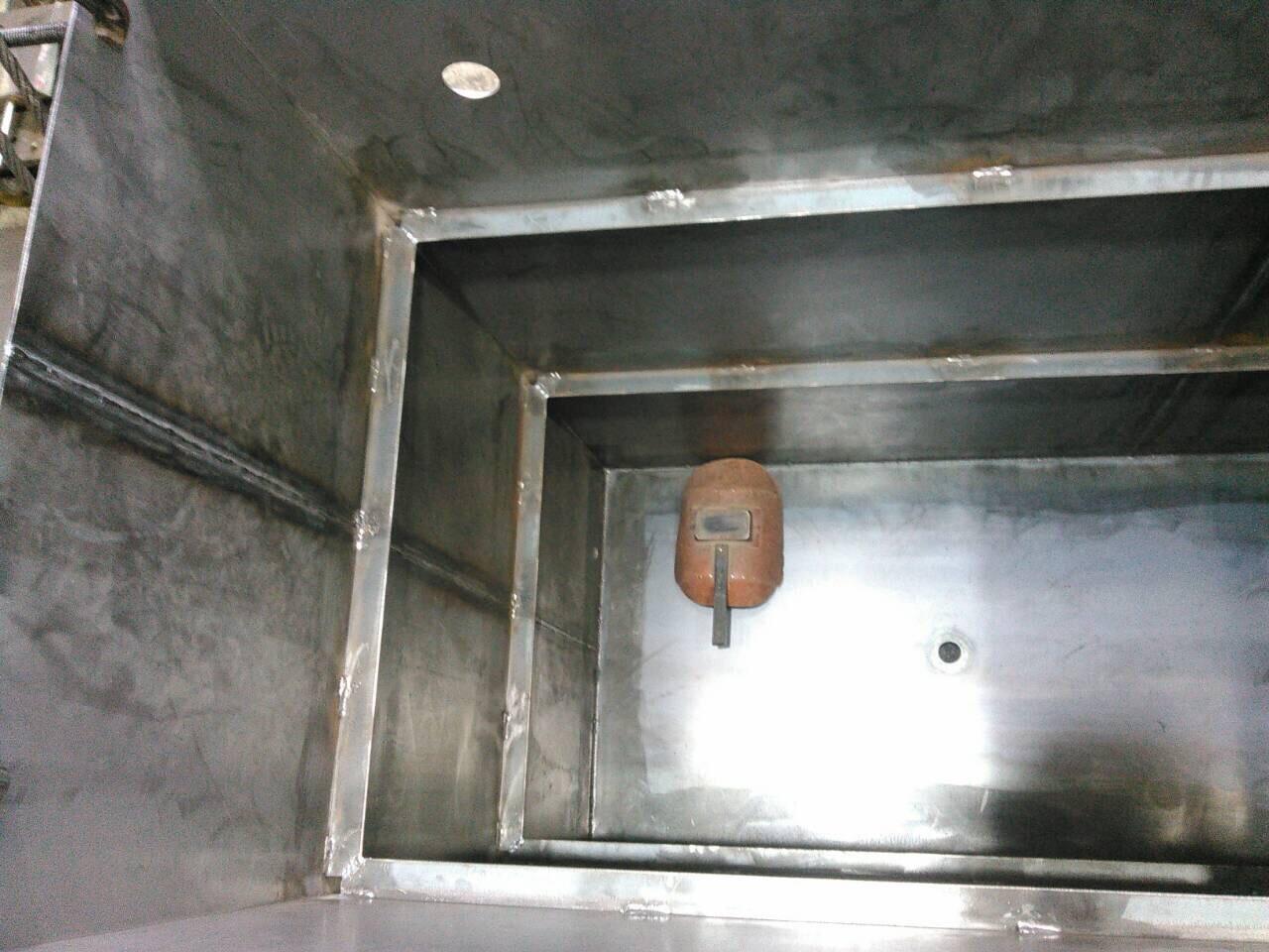 油タンク製作  補強 天板、底板溶接_f0228240_21322638.jpg