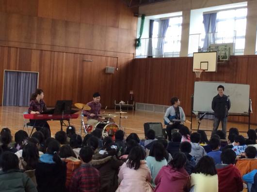 2016/2/23「小学校訪問してきました!」_e0242155_01024784.jpg