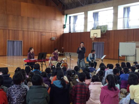 2016/2/23「小学校訪問してきました!」_e0242155_01024859.jpg