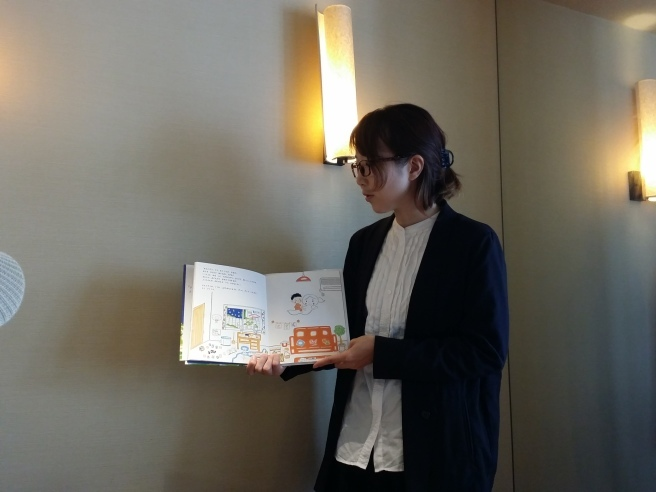<お礼とお知らせ>「大人のための絵本読み聞かせ」が定期教室になります!_a0063096_12284063.jpg