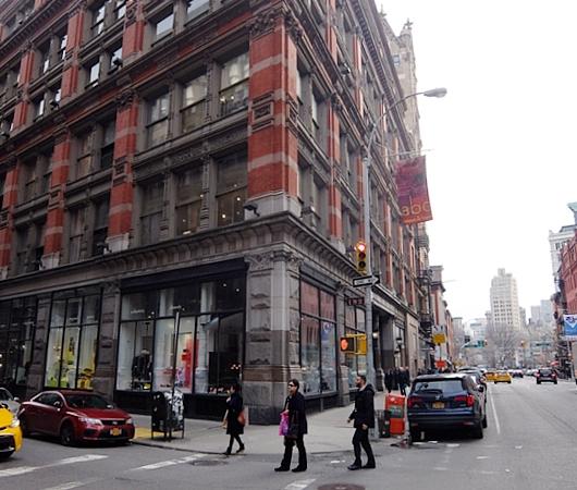 NYダウンタウン、23~17丁目間のブロードウェイ沿いの風景_b0007805_22225081.jpg