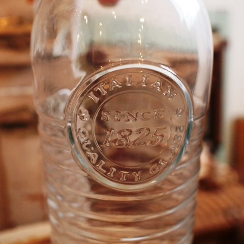 ガラスのボトルと新着コーディネート。_a0164280_1429287.jpg