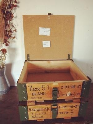 2/26 ポーランド 木製BOX 再入荷しました_f0325437_16315127.jpg
