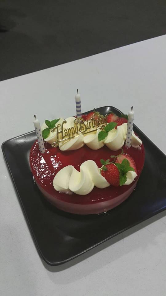 てんこ盛りの感謝と2月のケーキ_f0234165_6525790.jpg