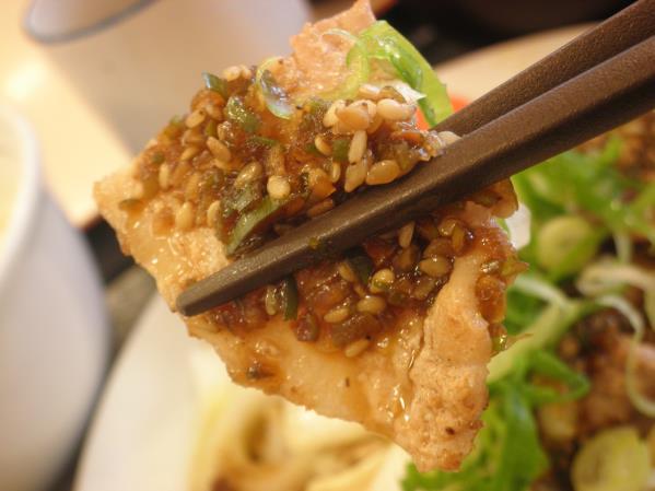 松屋の豚肉とたっぷり冬野菜炒め    箕面店_c0118393_10251159.jpg