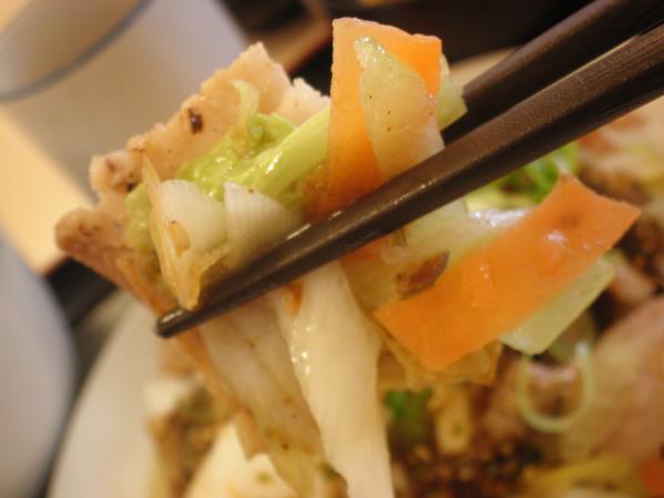 松屋の豚肉とたっぷり冬野菜炒め    箕面店_c0118393_10305558.jpg