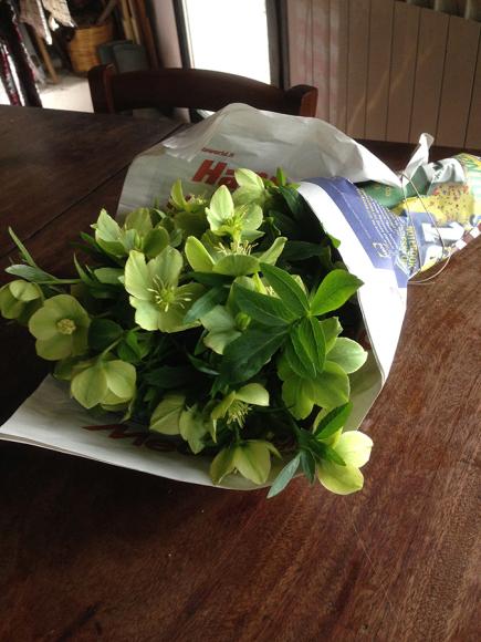 お花を持って_f0106597_06450513.jpg