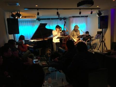 明日月曜日のライブ  Jazzlive comin  _b0115606_11454650.jpeg