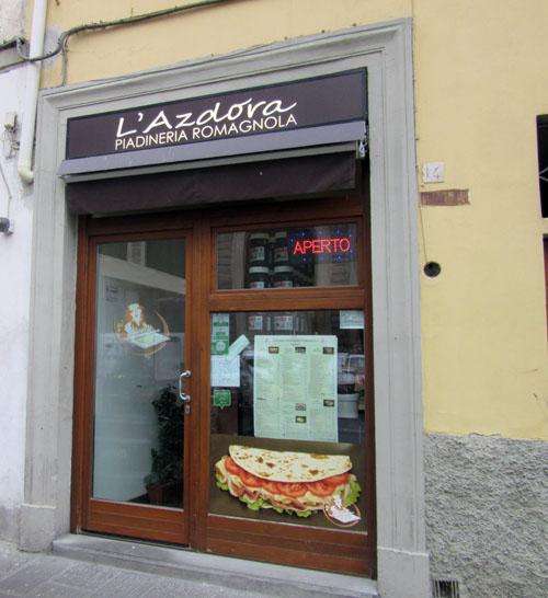 フィレンツェでちょこっと食べたいPIADINAならここへ!!_c0179785_20416.jpg