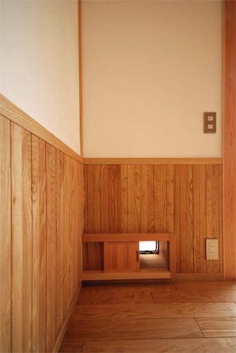 みたかの家の猫ドアが完成しました。_c0195909_14352276.jpg