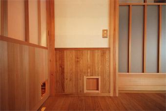 みたかの家の猫ドアが完成しました。_c0195909_1435367.jpg
