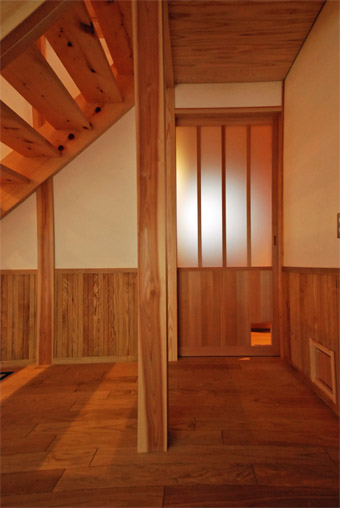 みたかの家の猫ドアが完成しました。_c0195909_1435839.jpg
