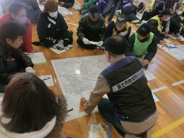 外部の人材資源を上手に活用した「第5回富士南地区避難所運営訓練」_f0141310_748914.jpg