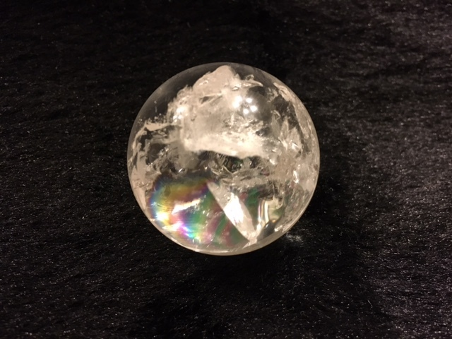 《パワーストーン》アイリスクォーツ(レインボー水晶) 丸玉(台座付き)_b0298740_13043478.jpg