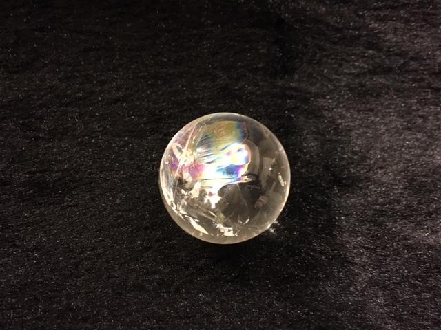 《パワーストーン》アイリスクォーツ(レインボー水晶) 丸玉(台座付き)_b0298740_13043685.jpg
