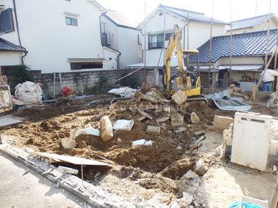 次期分譲地「瓢箪山町」 只今解体中_e0251265_14023794.jpg