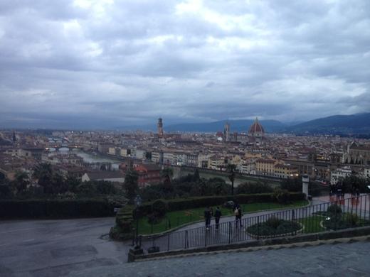ミケランジェロ広場の巨大なフィレンツェ愛_a0136671_185749.jpg